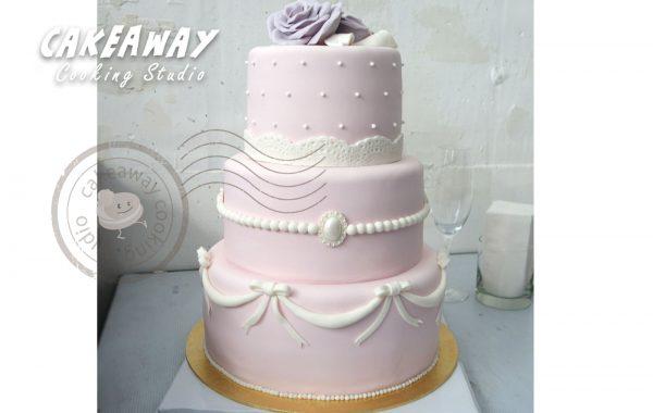 三層唧花結婚蛋糕(連玫瑰)