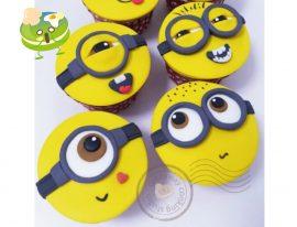 Minion cupcakes-01