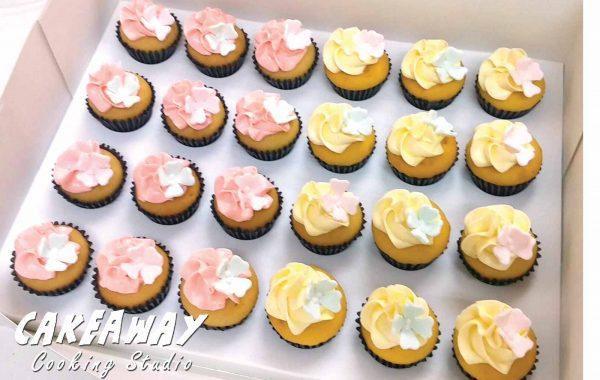 Mini cupcake (繡球花裝飾)